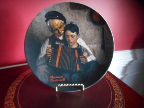 Photo Norman Rockwell plate, limited edition-reducedof The Music Maker - $12 (NE Columbia)