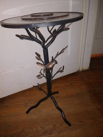 Photo Pier 1 side table - $100 (Columbia)