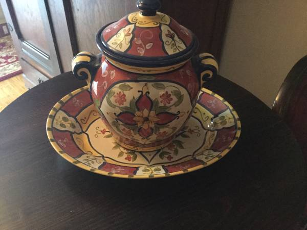 Photo Pier One canister and platter...NEW - $20 (Irmo, SC)