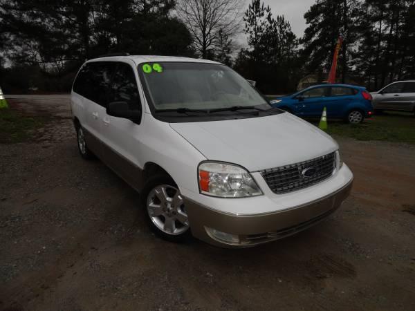 Photo SOOOO NICE 2004 Ford Freestar 4.2L V6 - $4495 (exit 91 chapin off rt 26)