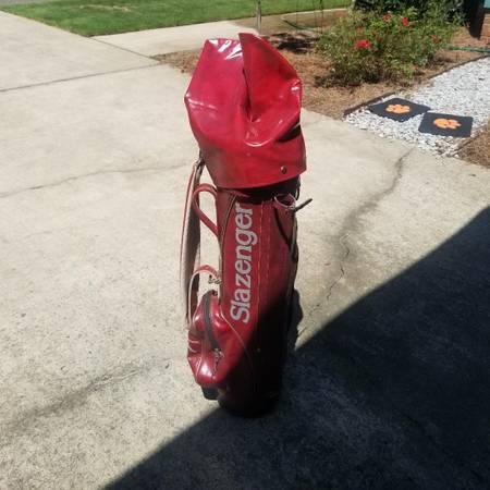 Photo Slazenger golf bag - $21 (Columbia)