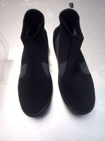 Photo TUSA Scuba Diving Boots - Size 8 - $40 (Lake Murray)