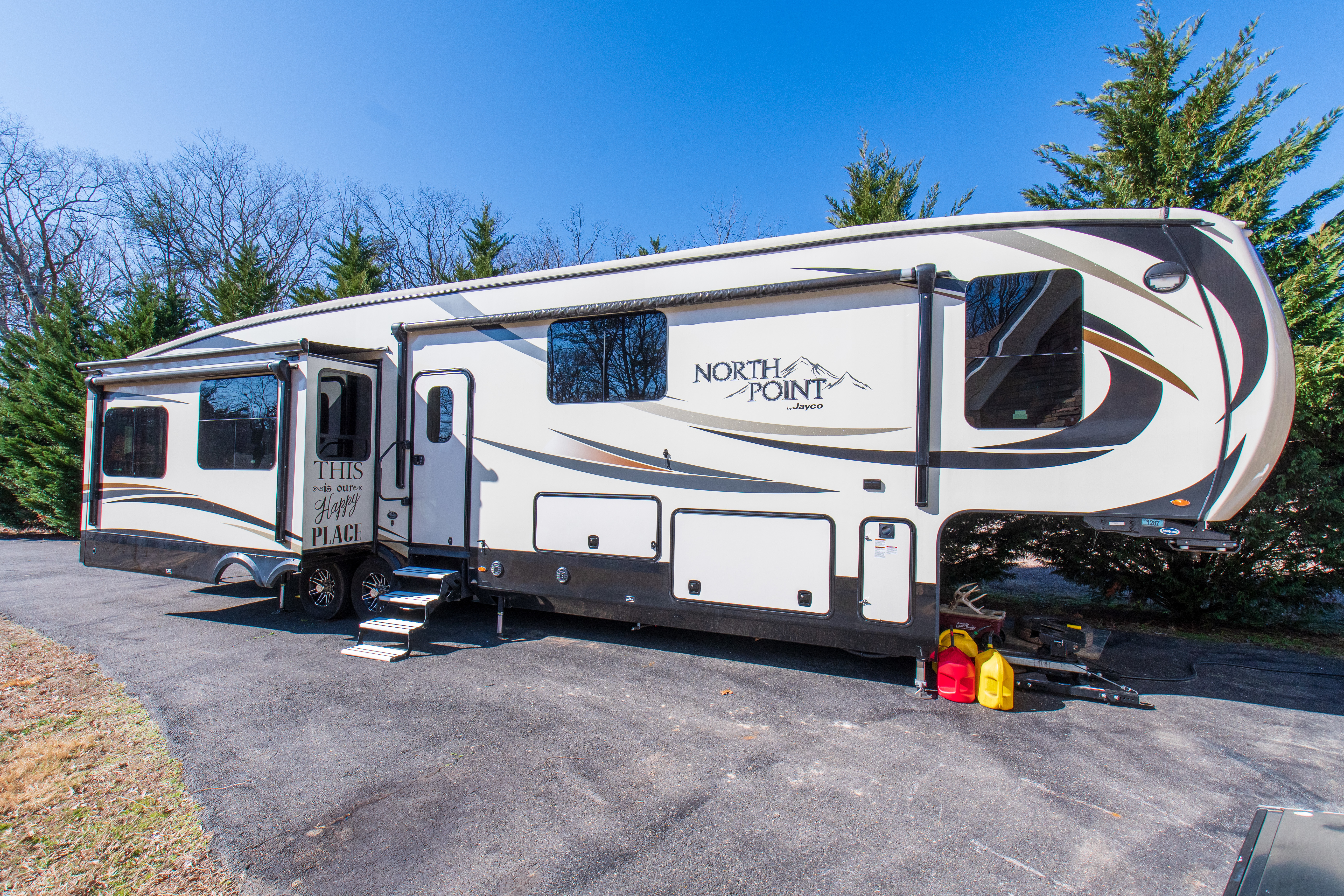 Photo 2017 Jayco NORTH POINT 377RLBH $ 48500     Get Financing as low as 523.80mo      Get Financing as low as 523.80mo