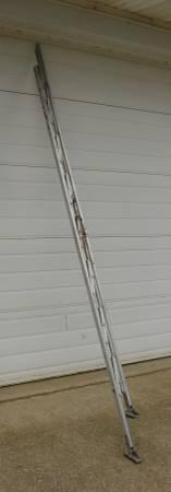 Photo 10 aluminum folding ladder - $110 (Newark Heath)