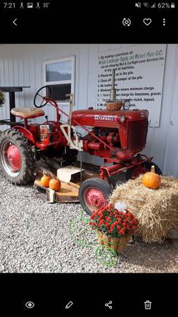 Photo 1948 farmall cub with woods mower - $2300 (Lancaster)