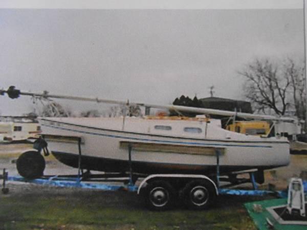 Photo 1975 Chrysler C-22 Sailboat - $3,200 (GREENFIELD)