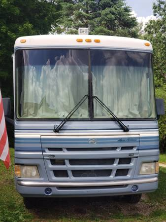 Photo 2000 Fleetwood Pace Arrow 3739 - SOLD - $20,500 (Johnstown)