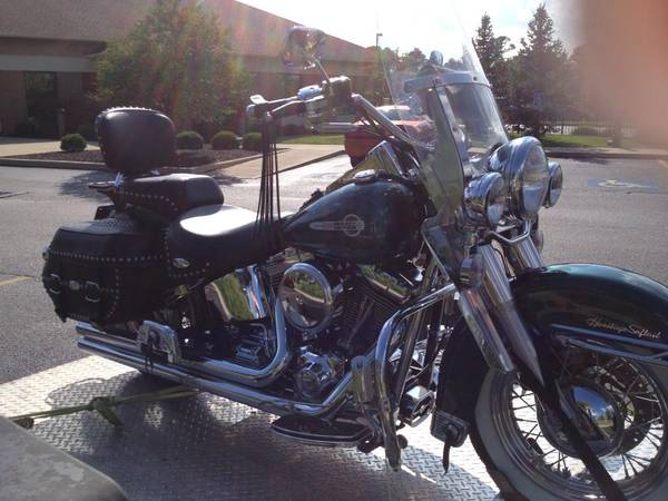 Photo 2002 HD Softail Heritage Classic - $6,800 (Westerville)