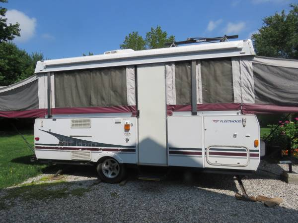 Photo 2006 FLEETWOOD SEQUOIA TALL WALL POP UP CAMPER - $6,000 (SUNBURY, OHIO)