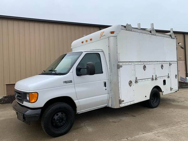 Photo 2006 Ford E350 Tool  BOX Truck. Powerstroke Diesel - One Owner - 92k - $5900 (Uniontown)