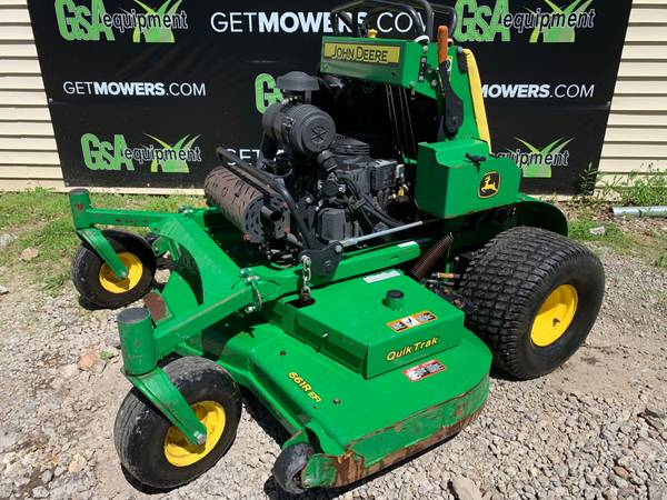 Photo 61IN JOHN DEERE 661R COMMERCIAL STAND ON MOWER 407 HOURS $105 A MONTH - $5300 (Barberton)