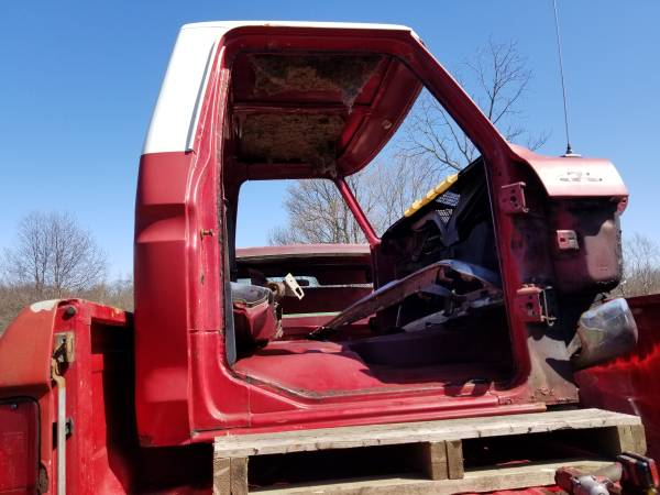 Photo 73-79 ford truck cabs - $100 (Mansfield)
