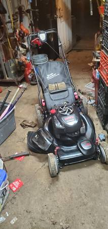 Photo Black craftsman self propelled lawn mower - $175 (near hudson and joyce)