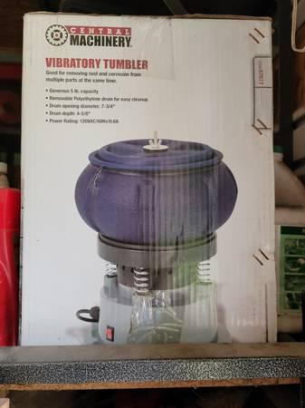 Photo Central Machinery Vibratory Tumbler - New in Box - $50 (Galena)