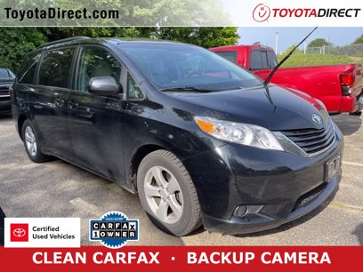 Photo Certified 2016 Toyota Sienna LE for sale