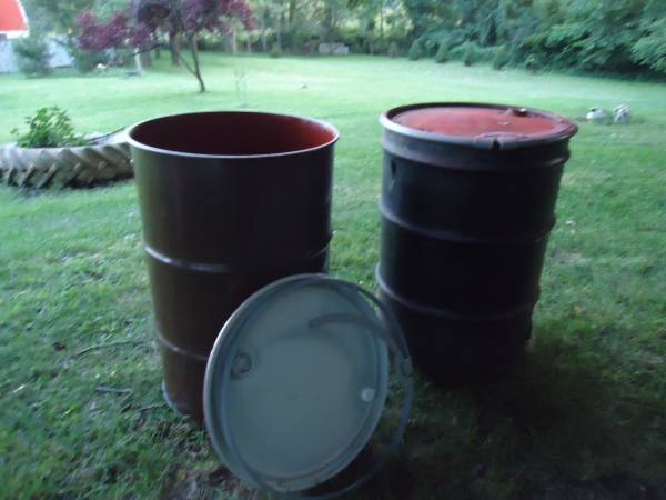 Photo Clean Burn Barrels food grade with locking lids will deliver - $20