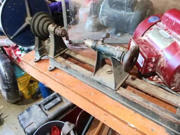 Photo Craftsman Wood Lathe Leeson Electric Motor 1 HP - $150 (Heath)