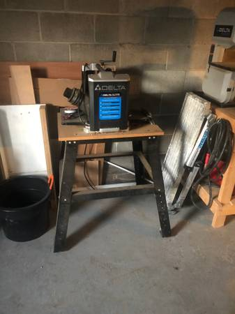 Photo Delta 12 12 inch planet with stand - $225 (Newark)