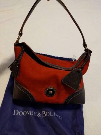 Photo Dooney and Bourke leather purse - $75 (Columbus)