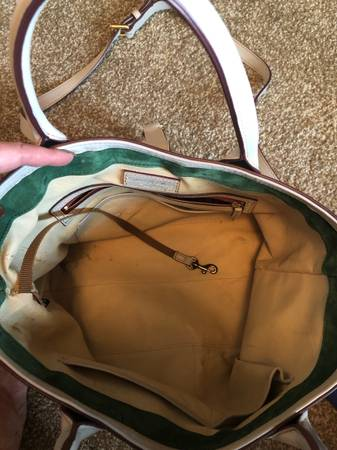 Photo Dooney and Bourke tote - $75 (Waters Edge apt)