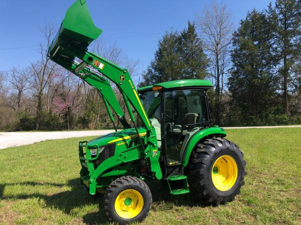 Photo John Deere 4x4 Cab Tractor 4052R - $37,950 (Cedar Hill, Mo.)