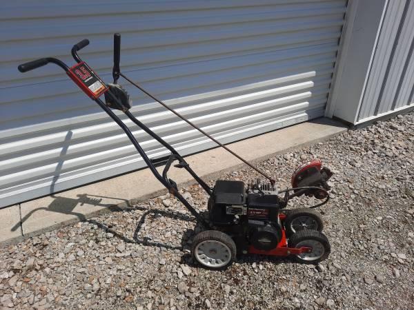 Photo MTD Yard Machines edger - $150 (Buckeye Lake)