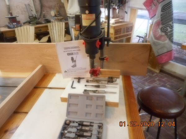 Photo Mortising machine  shop fox bits - $150 (Centerburg)