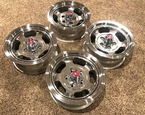 Photo NOS 1971 1972 1973 Ford Mustang Optional Slotted Alum WheelsCenters - $2,500 (Columbus, Ohio)