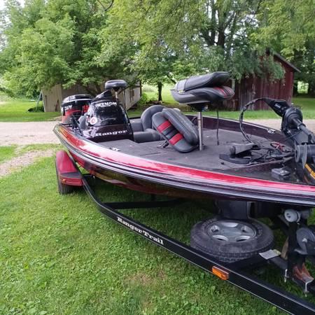 Photo Ranger bass boat 1839 - $11,000 (Johnstown)