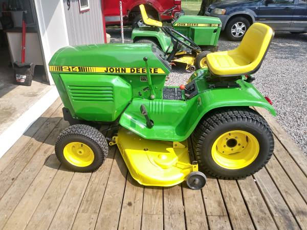 Photo Refurbishment of Vintage John Deere Lawn  Garden Tractors (Elida OH)