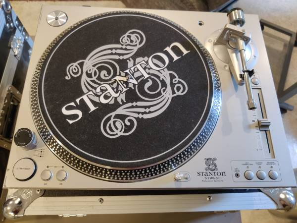 Photo Stanton STR8-80 direct drive turntable - $100 (Victorian Village)