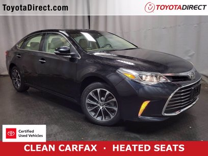 Photo Used 2017 Toyota Avalon XLE for sale