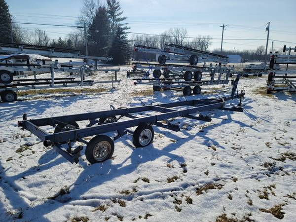 Photo Used 20 pontoon boat trailer-crank up - $1,495 (Indian Lake Ohio)