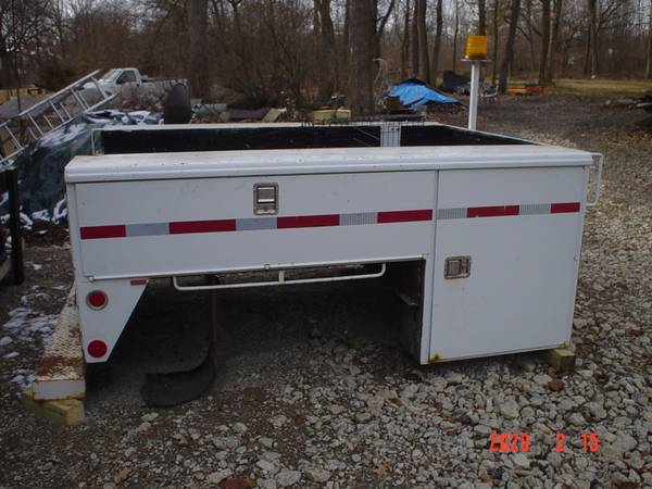Photo Utility Bed 8 Ft SRW Ford Chevy Dodge - $850 (SW Columbus)