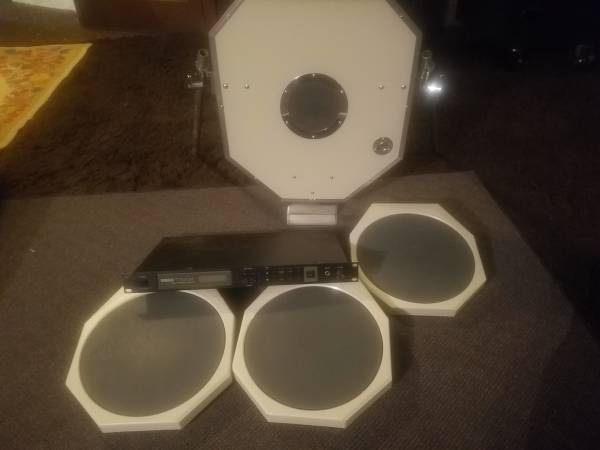 Photo Vintage Pearl drum triggers and sound module - $85