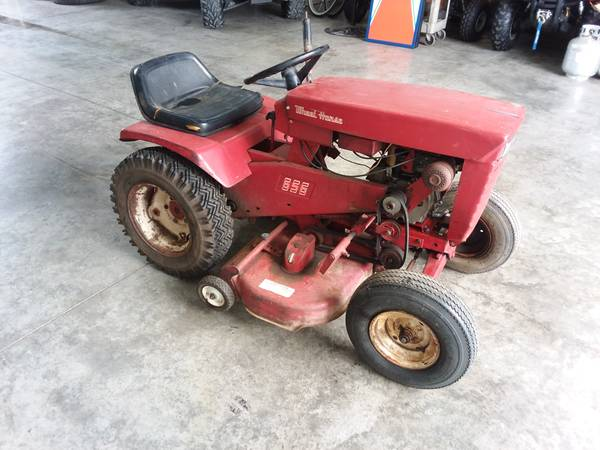 Photo Wheel Horse 656 Lawn Tractor - $500 (Ashville)