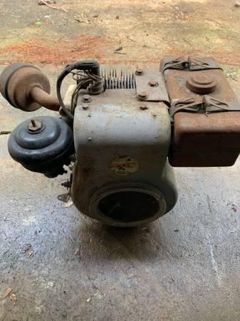 Photo Wisconsin Horizontal Shaft Gas Engine - $50 (Lancaster)