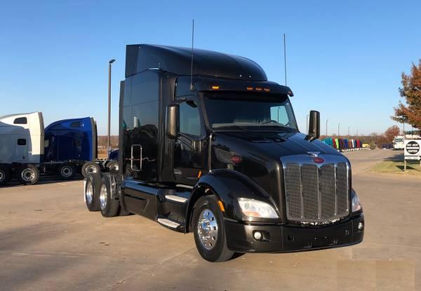 Photo 2016 Peterbilt 579 Semi Truck APU FRIDGE NEW TIRES  - $44500