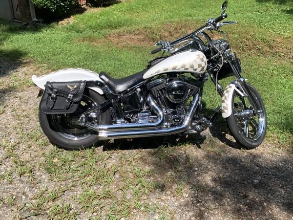 Photo 1996 Harley Davidson softail custom - $6,900 (Canton)