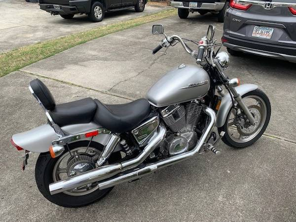 Photo 2007 Honda Shadow Spirit 1100 motorcycle - $3,800 (Lawrenceville)