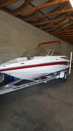 Photo 2008 Crownline Ski boat - $21,999 (Lagrange)