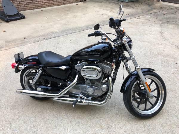Photo 2015 Harley Davidson XL883 Sportster - $4,999 (Auburn)