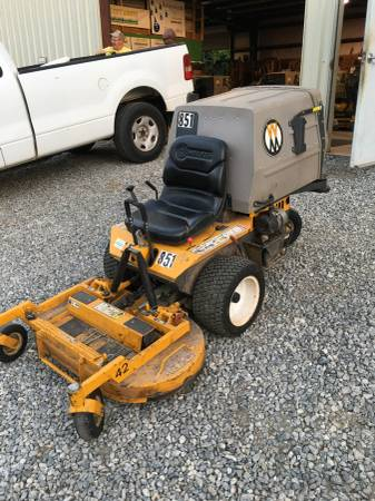 Photo 2018 42quot Walker Mower - $4850