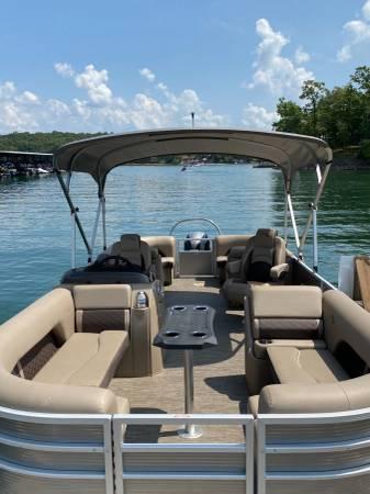 Photo 2021 Bennington Tritoon 22 SSRXP with New Yamaha 150hp VMAX SHO - $56,500 (Johns Creek)
