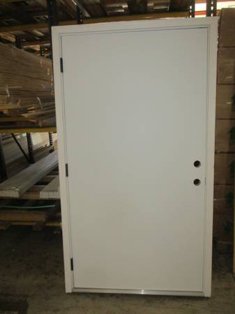 Photo 42quot Right Hand Outswing Flush Steel Exterior Door - $100 (ColumbusFortson)