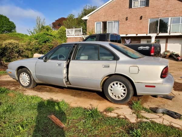 Photo 98 Oldsmobile 88 - $1,000 (Pine Mountain)