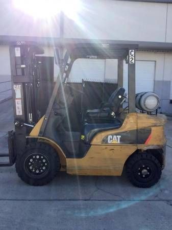 Photo Caterpillar Outdoor Pneumatic Forklift - Propane - $14,900 (Central Florida)