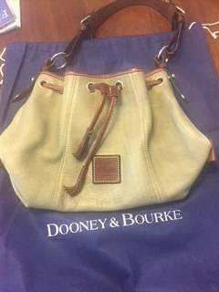 Photo Dooney and Bourke Hobo Satchel Purse - $25 (Milton)