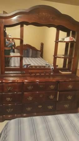 Photo Four piece cherry wood Queen bed set - $400 (COLUMBUS)