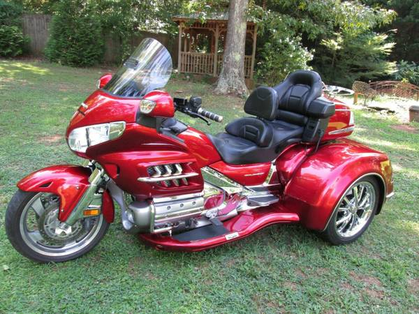 Photo HONDA GOLDWING GL1800 W CSC VIPER TRIKE KIT CONVERSION - $22,900 (ROME,GA)